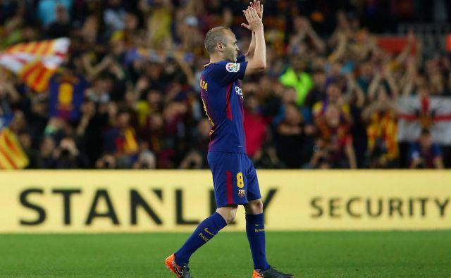 Andres Iniesta je v nedeljo odgiral svoj zadnji El Clasico. FOTO: Albert Gea/Reuters