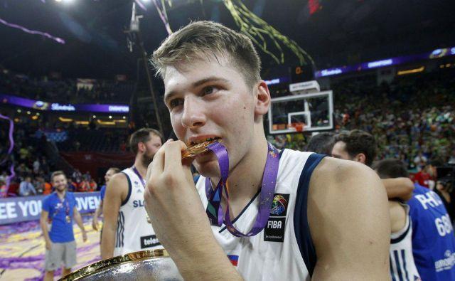 Luka Dončić z zlatim odličjem FOTO: Blaž Samec