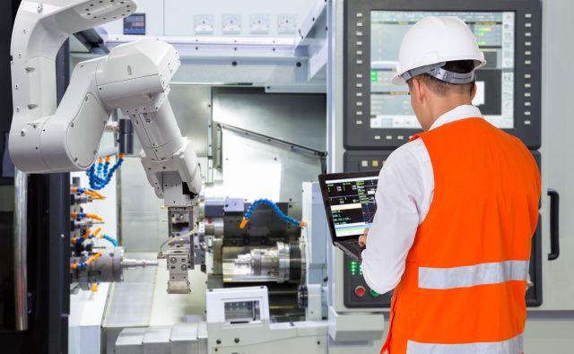 V Sloveniji imajo podjetja 48 robotov na 10.000 zaposlenih. FOTO: Shutterstock