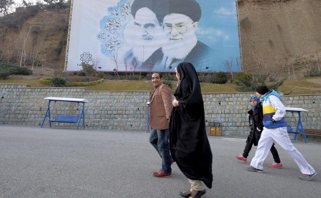 Teheran danes. FOTO Reuters