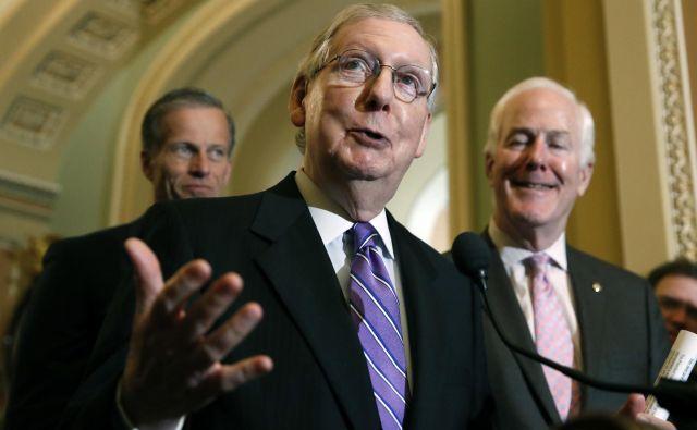 Vodja republikanske večine v senatu Mitch McConnell. FOTO: Alex Brandon/AP