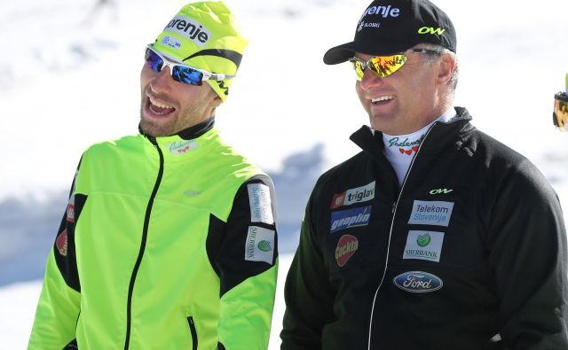Bosta Nejc Brodar (levo), novi vodja ekipe A v smučarskem teku, in Marko Gracer večkrat med sezono tako nasmejana?