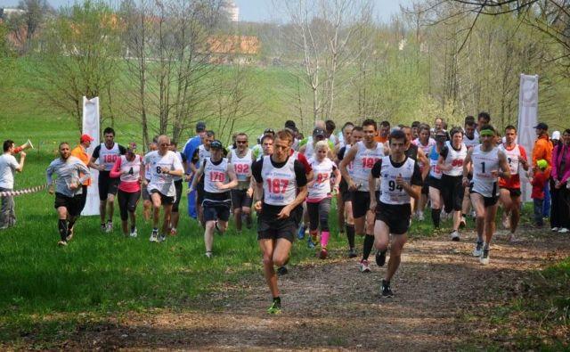 Trasa Molniškega teka je letos predvsem ravninska, teče po travniških in deloma obgozdnih poteh, majhen del pa po asfaltu. FOTO: Arhiv ŠD Zadvor/