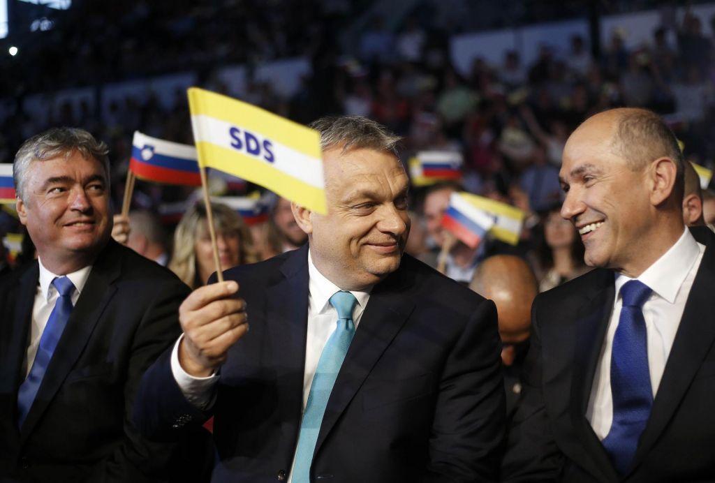 FOTO:Janša napovedal boj proti»prvorazrednim«