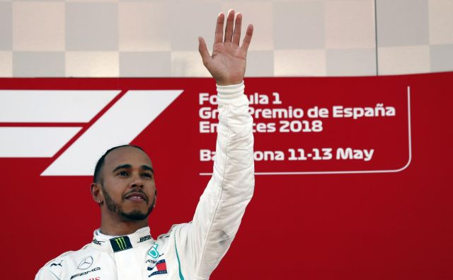 Lewis Hamilton je drugič zapored zmagoslavno dvignil roko. FotoManu Fernandez/AP