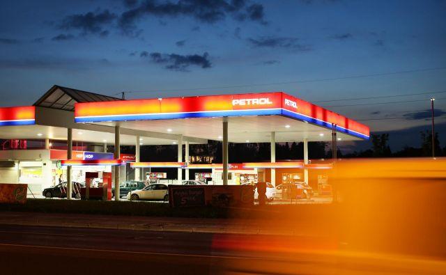 Cena 95-oktanskega bencina je zdaj najvišja po 21. juliju 2015, dizelsko gorivo pa je bilo nazadnje dražje 25. novembra 2014. FOTO: Jure Eržen/Delo