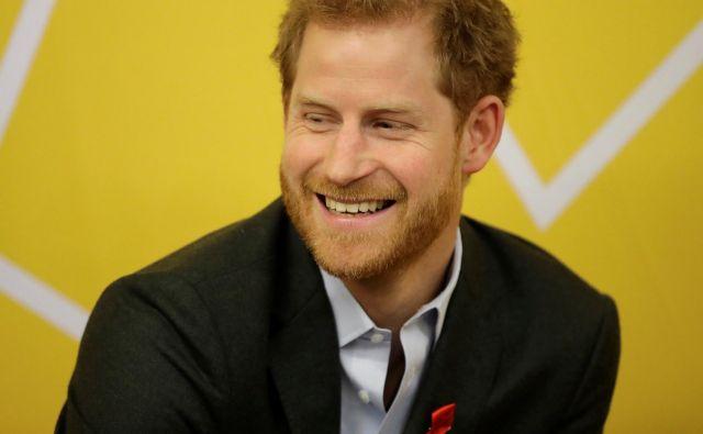 Princ Harry je poleg babice, kraljice Elizabete najbolj priljubljen britanski »človek z dvora«. FOTO: Pool/Reuters