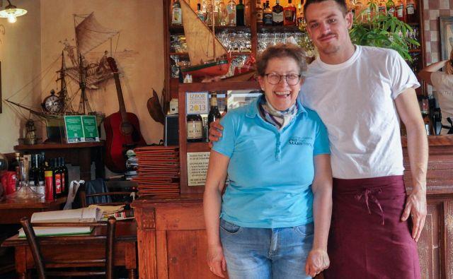 FOTO: Uroš Mencinger Mara je med gosti, sin Marko med lonci.