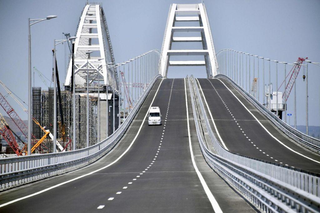 Putin odprl most, ki povezuje Krim z Rusijo (VIDEO)