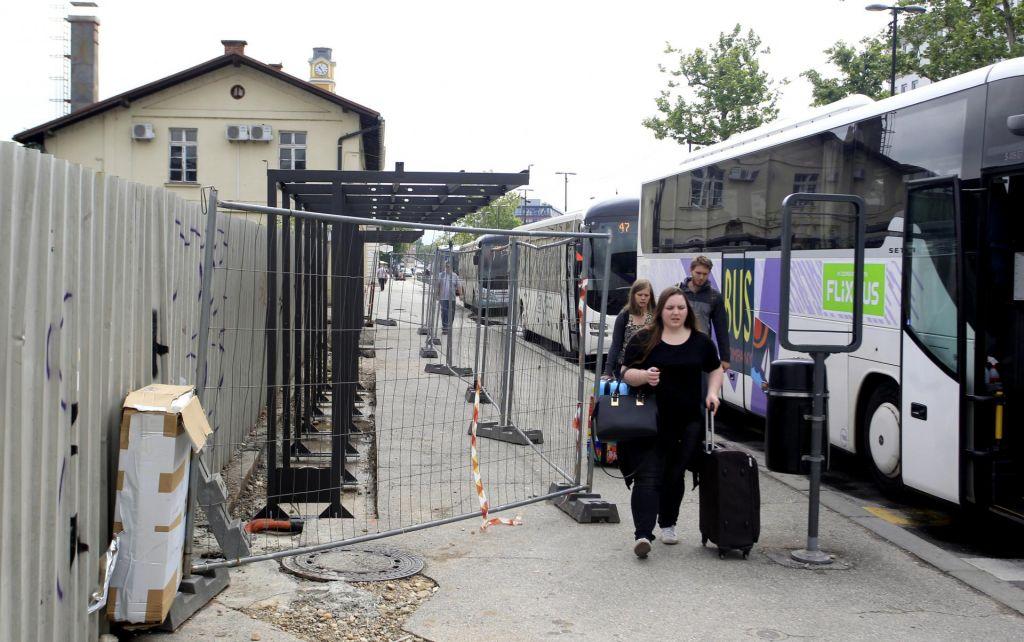 FOTO:Končno nadstreški ob glavni avtobusni postaji