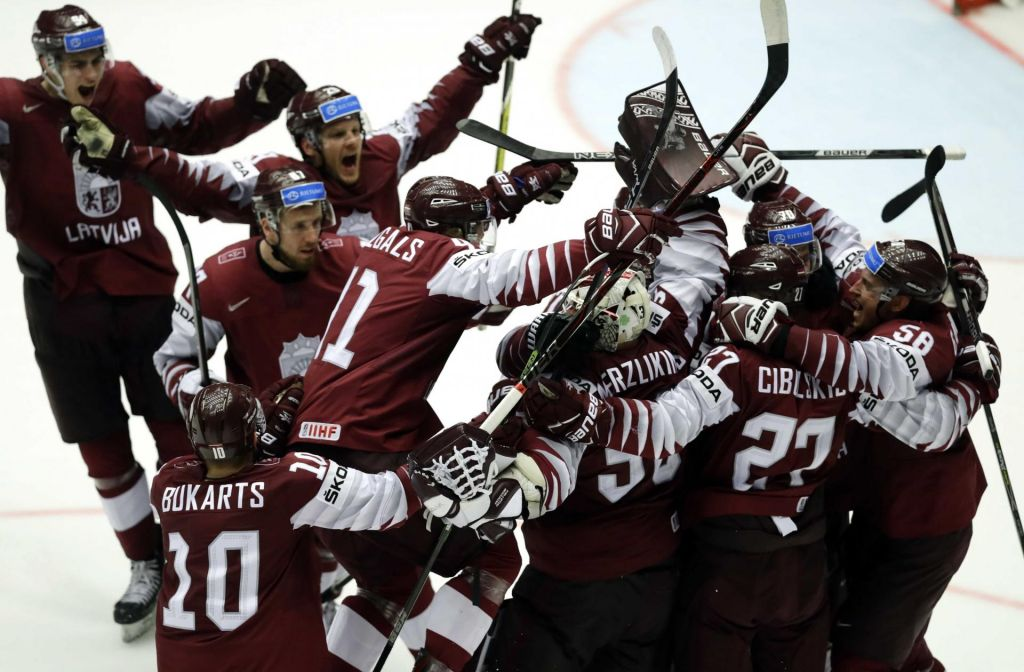 FOTO:Hokejsko SP: Latvijci utišali dvorano v Herningu (VIDEO)