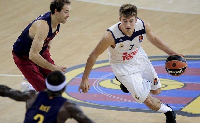 Luka Dončić bi lahko sledil Andrei Bargnaniju in postal drugi Evropejec, izbran kot prvi na naboru. FOTO: Reuters