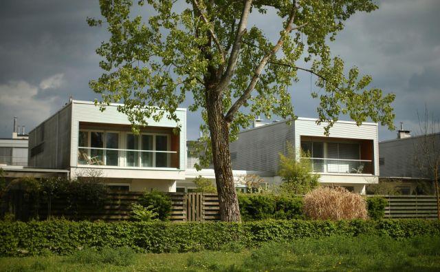 V Sloveniji ljudje kupujejo stanovanja ne le za lastno uporabo, temveč čedalje pogosteje tudi kot naložbo. FOTO: Jure Eržen/Delo
