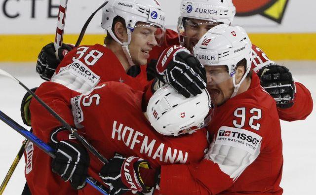 Švicarji so se drugo leto zapored veselili uvrstitve v četrtfinale SP.