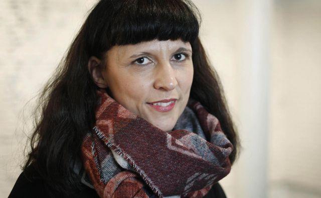 Predsednica Asociacije Jadranka Plut je na posvetu v Cankarjevem domu predstavila deset zahtev kulturnikov.FOTO: Leon Vidic/Delo