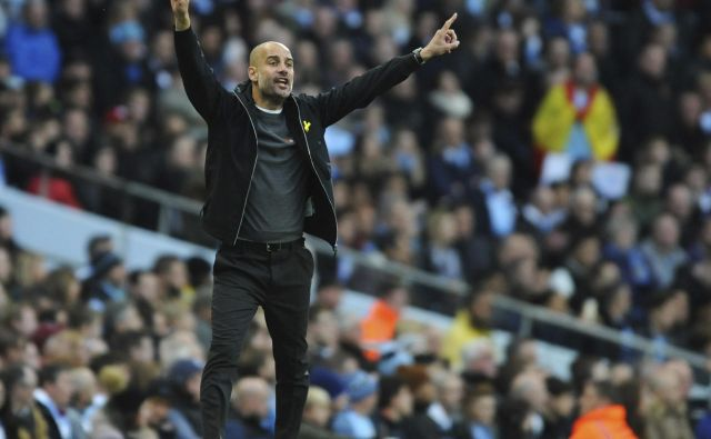 Manchester City manager Josep Guardiola reacts during the English Premier League soccer match between Manchester City and Arsenal at Etihad stadium, Manchester, England, Sunday, Nov. 5, 2017. (AP Photo/Rui Vieira) FOTO: Rui Vieira/Ap