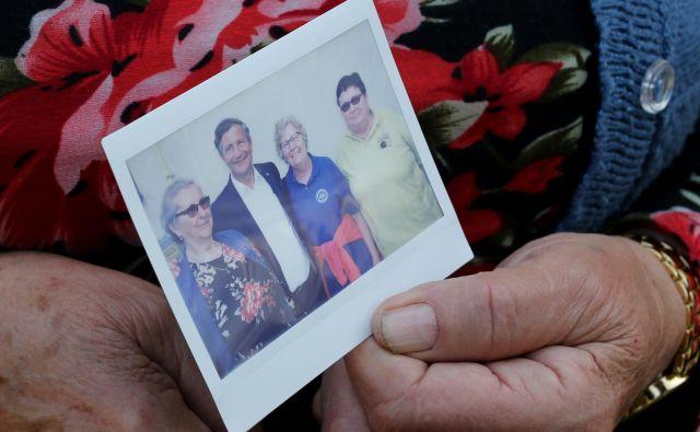 Marsikdo je predsednika Desusa še osebno pozdravil in se želel z njim fotografirati.FOTO: Tomi Lombar/Delo