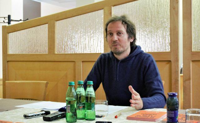 O pričakovanjih pred kitajskim prevzemom Gorenja je včeraj v Velenju spregovoril nekdanji sindikalist in kandidat Levice v Velenju Goran Lukič. FOTO: Brane Piano
