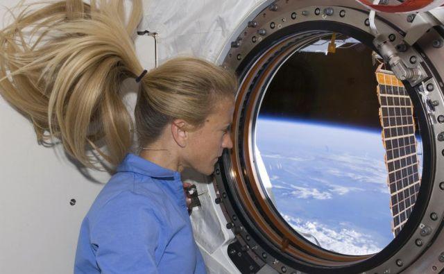 Medtem ko imajo astronavti in vesoljski inženirji velik ugled v javnosti, imajo politiki veliko večjo moč. In morda tiči zajec prav v tem grmu: Morda bodo ženske najtežje postale enakopravne moškim v tistih delih družbe, ki imajo po splošnem prepričanju največjo moč. FOTO: Reuters