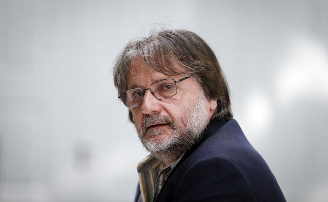 Nazadnje je lani desetnico za mladinski roman Kit na plaži prejel Vinko Möderndorfer.