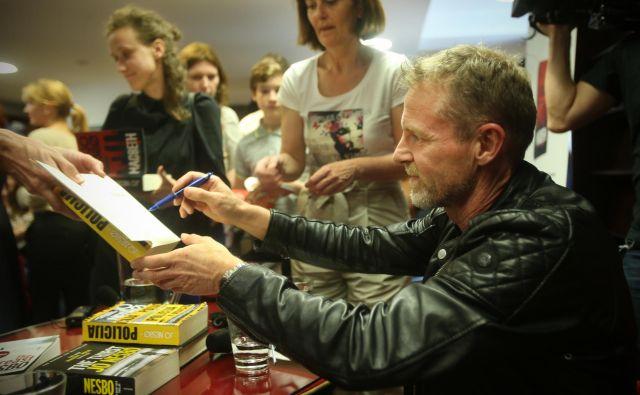 Jo Nesbø med podpisovanjem knjig v ljubljanskem Konzorciju