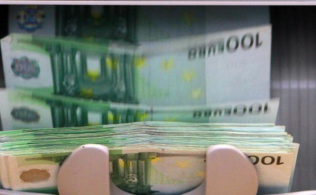 Oškodovanci so prejeli le »obresti«, vloženega denarja niso več videli. FOTO: Jože Suhadolnik