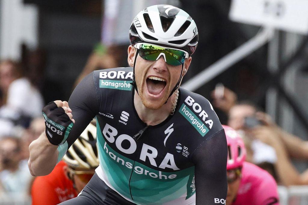 Giro: Mohorič spet blizu, tokrat je bil Bennett prehiter (VIDEO)