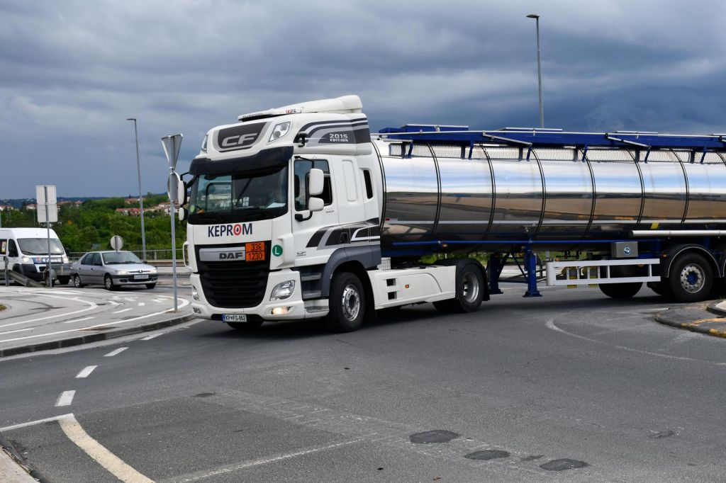 Policisti preprečili kamionski kaos v Kopru