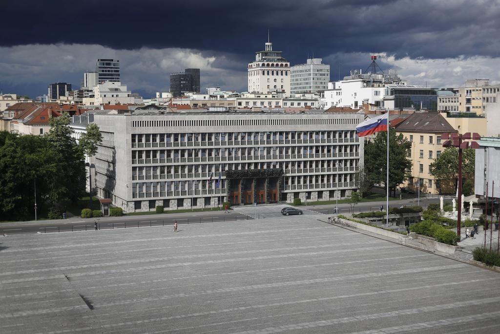 Čas za prevetritev političnega sistema