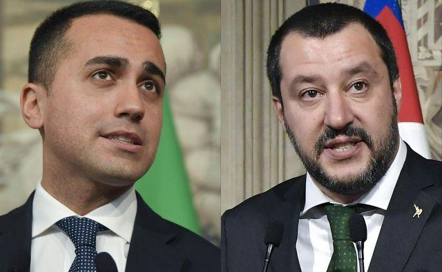 Vodja populističnega Gibanja 5 zvezd Luigi Di Maio (levo) in predsednik desne stranke Liga Matteo Salvini. FOTO: Tiziana Fabi/AFP
