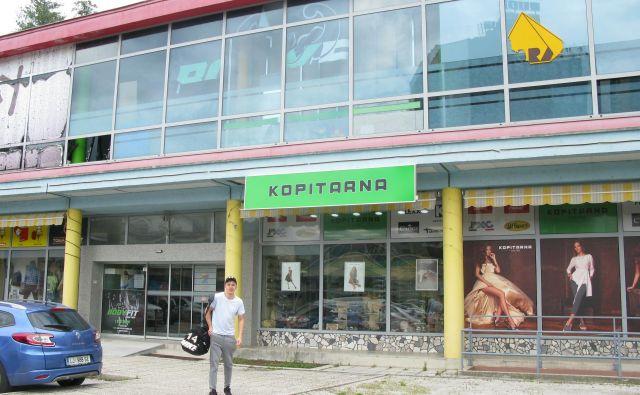 Legendarna trboveljska blagovnica spet naprodaj. FOTO: Polona Malovrh/Delo