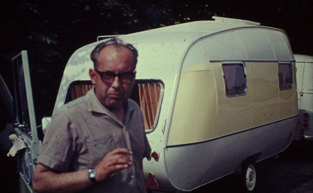 Inženir Martin Sever je prve počitniške prikolice oblikoval po skandinavskem vzoru. FOTO: Arhiv družine Sever
