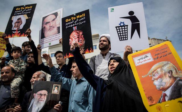 Nedavni protesti v Iranu proti odločitvi Donalda Trumpa, da ZDA izstopijo iz jedrskega sporazuma.FOTO: Tasnim News Agency/Reuters