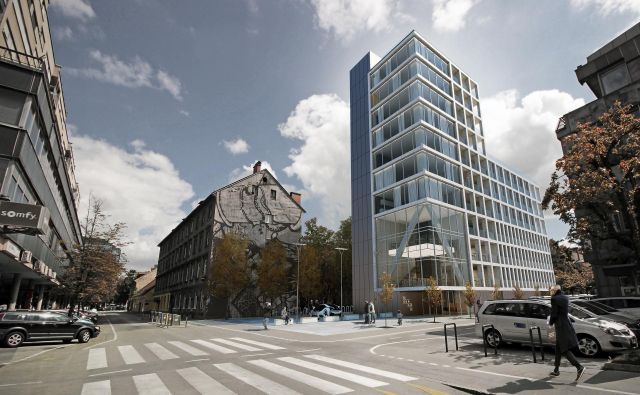 V križišču Kolodvorske in Čufarjeve v Ljubljani bi radi še pred poletjem začeli graditi butični hotel z nekaj luksuznimi stanovanji. FOTO Clipplus
