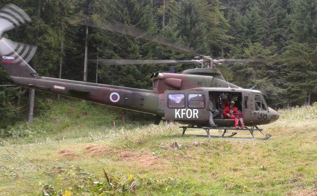 Pokojni je bil opoldan prijavljen kot pogrešan, po iskanju z vojaškim helikopterjem pa je bil pod planinsko potjo mrtev najden v skalni grapi. FOTO: GRS Tržič