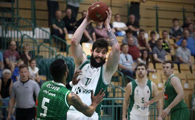 Reprezentant Žiga Dimec je finalu 2015 igral za Rogaško, predlani in lani pa je s Krko izpadel v polfinalu s Heliosom in Olimpijo.