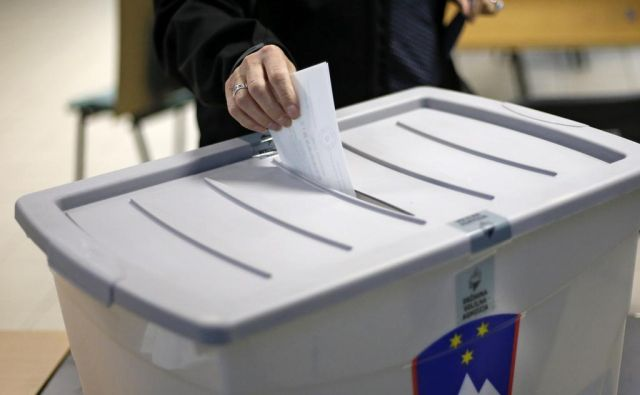 v kratki zgodovini slovenskega parlamentarizma imamo že dva primera, ko nepriljubljene raznorodne koalicije padejo v vodo že pri tajnem glasovanju o predsedniku vlade. FOTO: Matej Družnik/Delo