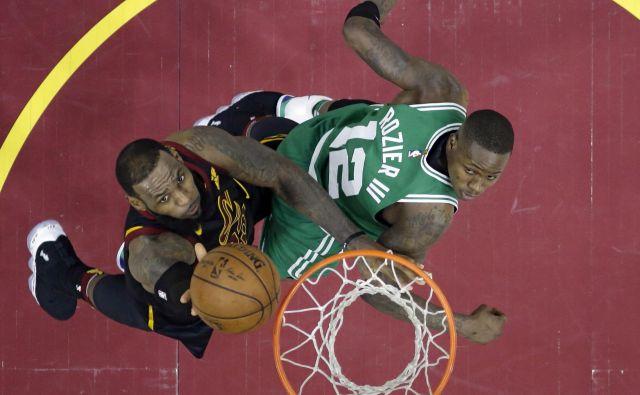 LeBron James je še pravočasno zavihal rokave. FotoTony Dejak/AP