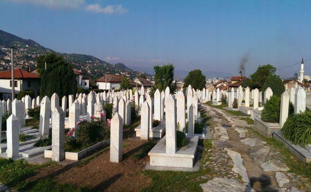 Veliko pokopališče Kovači nad starim delom mesta, kamor naj bi danes prišel tudi Erdogan. FOTO: Novica Mihajlović