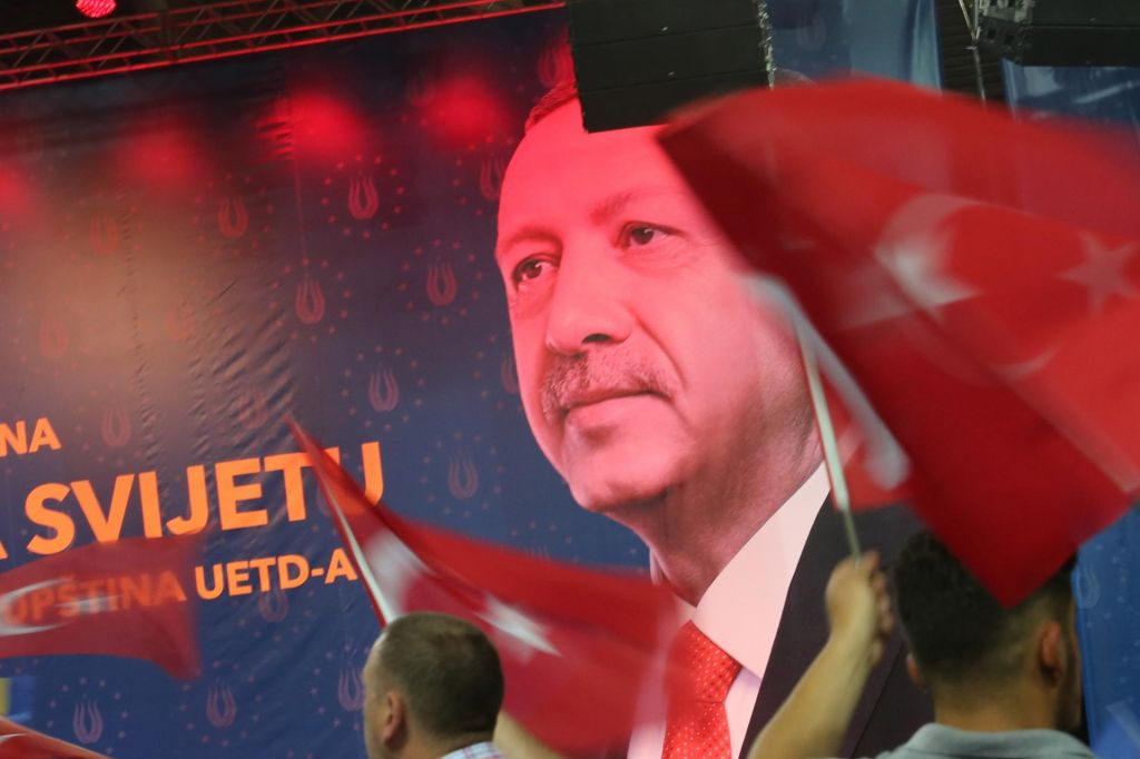 FOTO:Erdoganu v Sarajevu peli: sultan, sultan (FOTO)