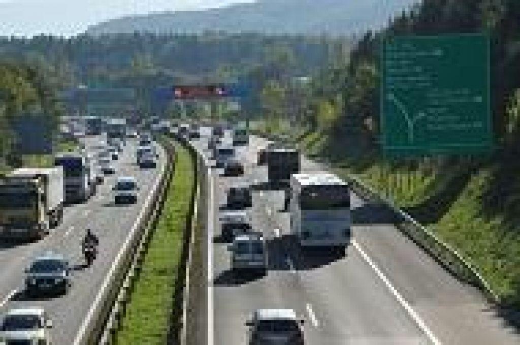 Cesta Izlake-Trojane zaprta za ves promet