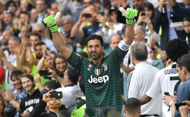 Gigi Buffon se je zahvalil navijačem za dolgoletno podporo.