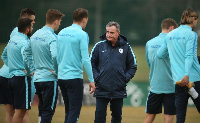 Slovenska reprezentanca bo 2. junija gostovala v Podgorici, selektor Tomaž Kavčič pa bo zanesljivo spremenil seznam igralcev – v primerjavi z zadnjo akcijo v Stožicah –, s katerimi bo računal v prijateljski tekmi s Črno goro.