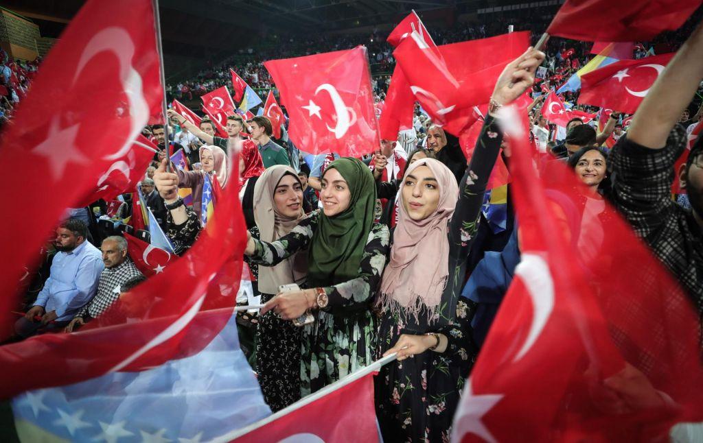 FOTO:Erdoğan v Sarajevu očaral evropske Turke