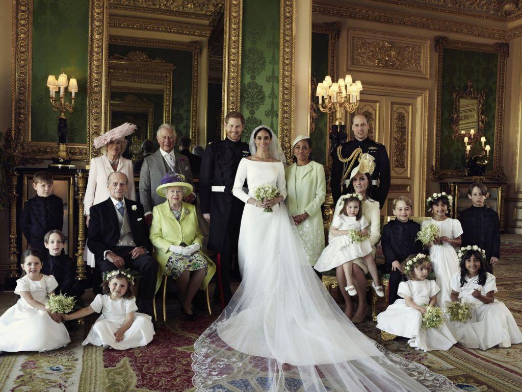Harry in Meghan pokazala uradne poročne fotografije (FOTO)