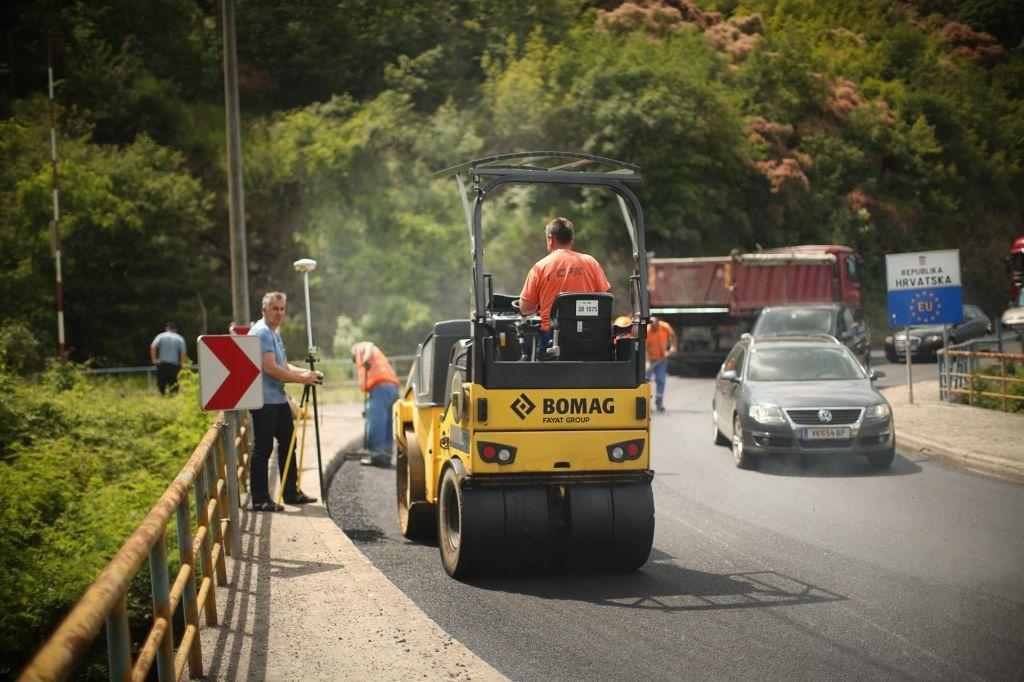 FOTO:Bo prej cesta ali leteči avtomobili do Istre?