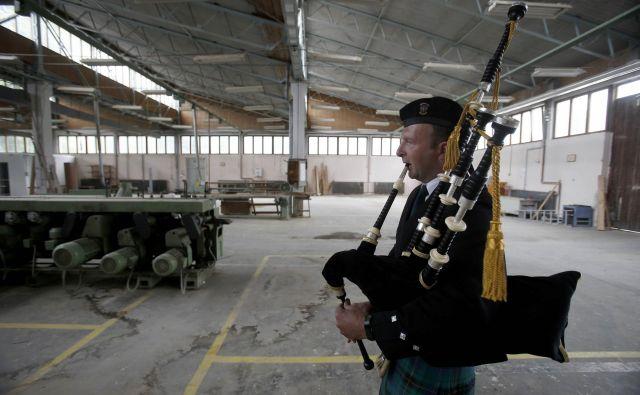 Škotsko družinsko podjetje BSW bo na Gomilskem zgradilo največjo žago v Sloveniji, ki bo letno razrezala 300.000 kubičnih metrov iglavcev, in proizvajalo lesene izdelke.
