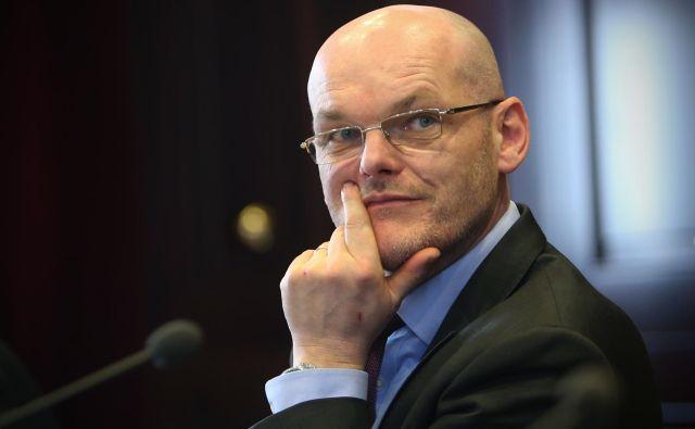 Minister Goran Klemenčič je zaradi dolgotrajnosti postopka v zadevi Teš 6 zahteval pregled poslovanja celjskega sodišča. FOTO: Jure Eržen/Delo