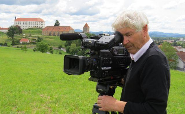 Tinček Ivanuša je poslal 70 filmov na različne festivale in dobil 70 nagrad in priznanj. FOTO:Leon Vidic