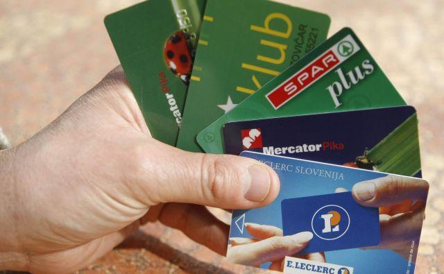 Izdajatelji kartic zvestobe so morali pred presečnim datumom preveriti, kako zbirajo in obdelujejo podatke. FOTO: Tomi Lombar/Delo